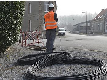Tirage et raccordement de câbles, pressurisation, jarretièrage, remplacement de poteaux, création de lignes abonnés, enfouissement de câbles